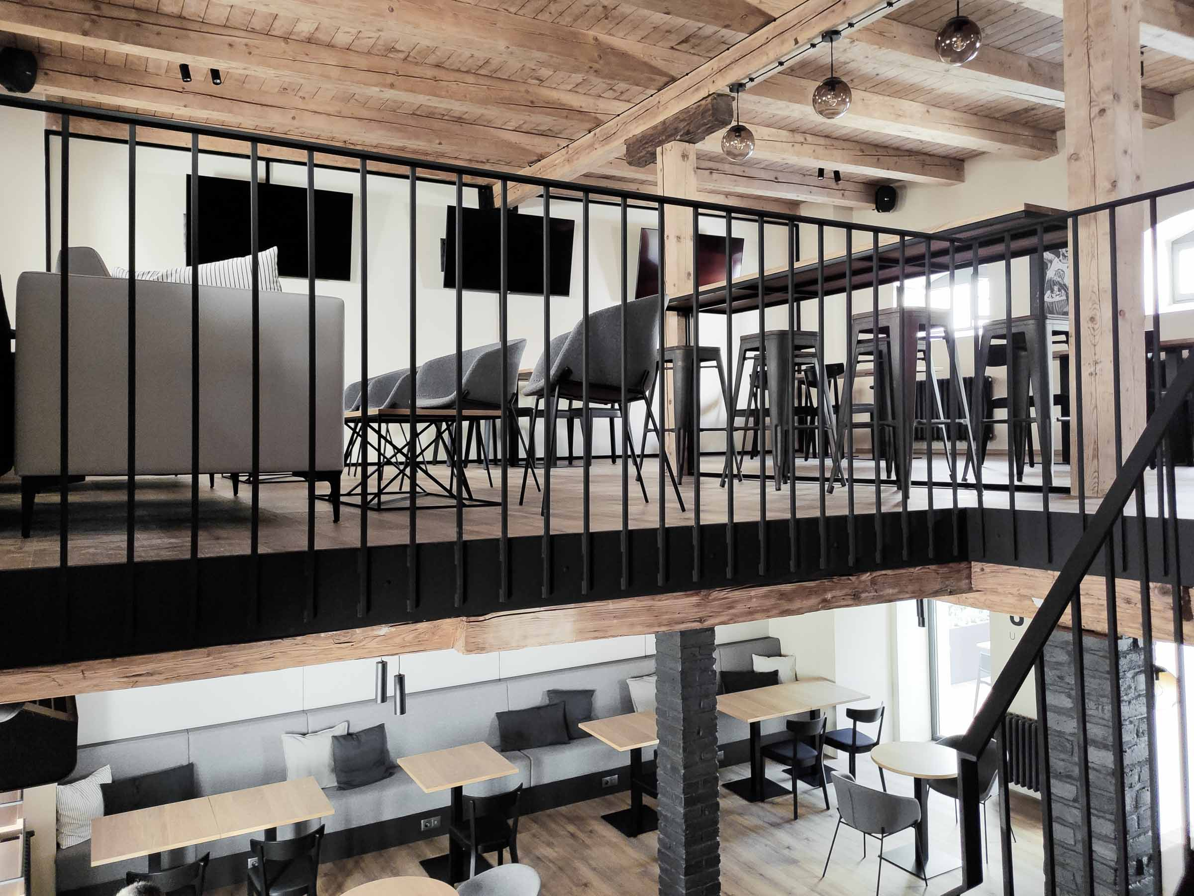 Rekonstrukcia a pristavba kaviarne, schodisko nove, VAUarchitects