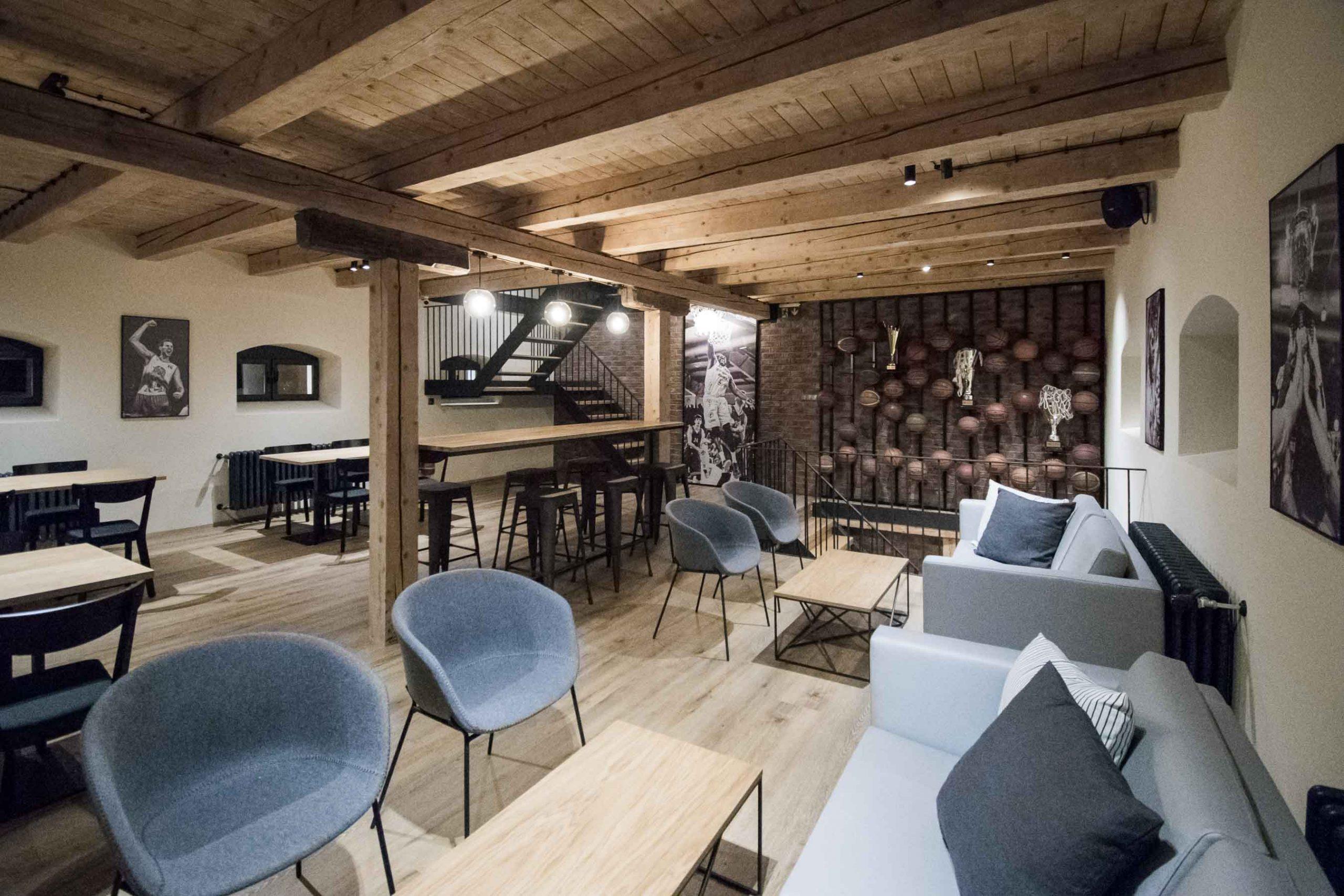 Rekonstrukcia a pristavba kaviarne, poschodie nove, VAUarchitects
