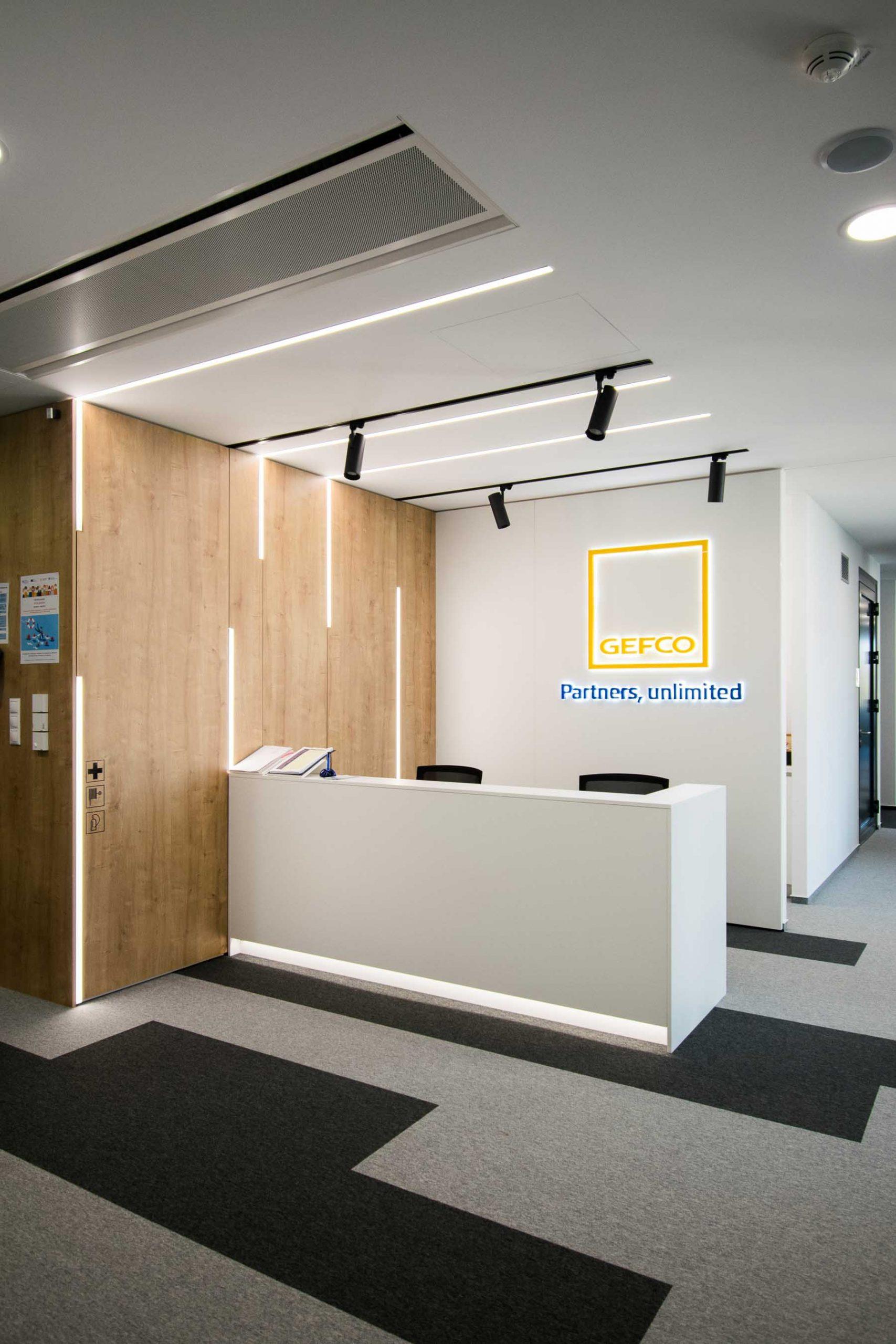 Interiér kancelárie GEFCO, Bratislava, recepcia, VAUarchitects